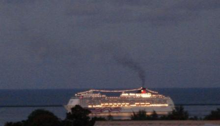 cruise ship in Hilo Bay